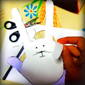 Coniglio che i bambini realizzano durante il corso Ci riprendiamo tutto ciò che è nostro